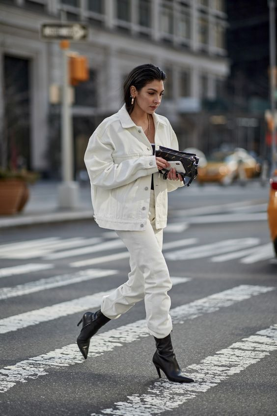 How To Wear A White Denim Jacket | Autumn street style, Ny fashion .