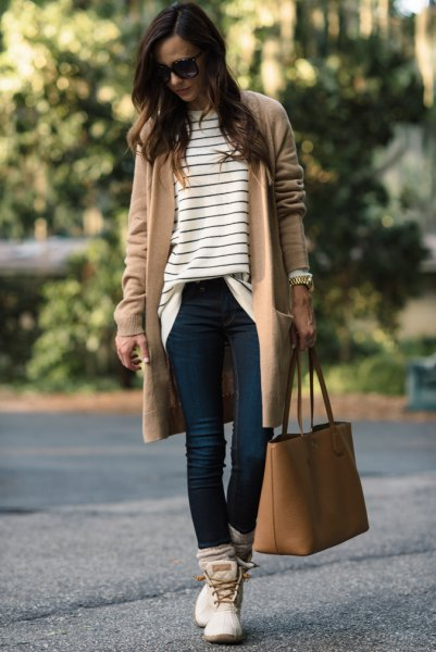 How to Style White Duck Boots: 13 Chic Outfit Ideas for Women .