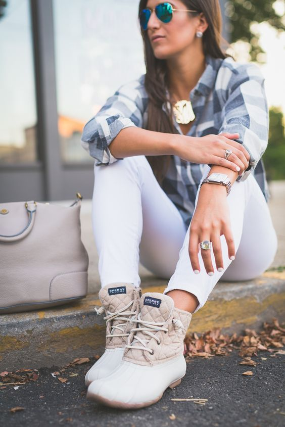 Excellent Duck Boots Ideas For Women | Fall boots outfit, Sperry .