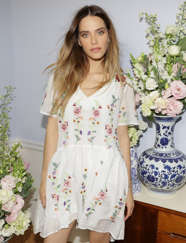 How to Style Floral Embroidered Dress: 15 Chic Outfit Ideas - FMag.c