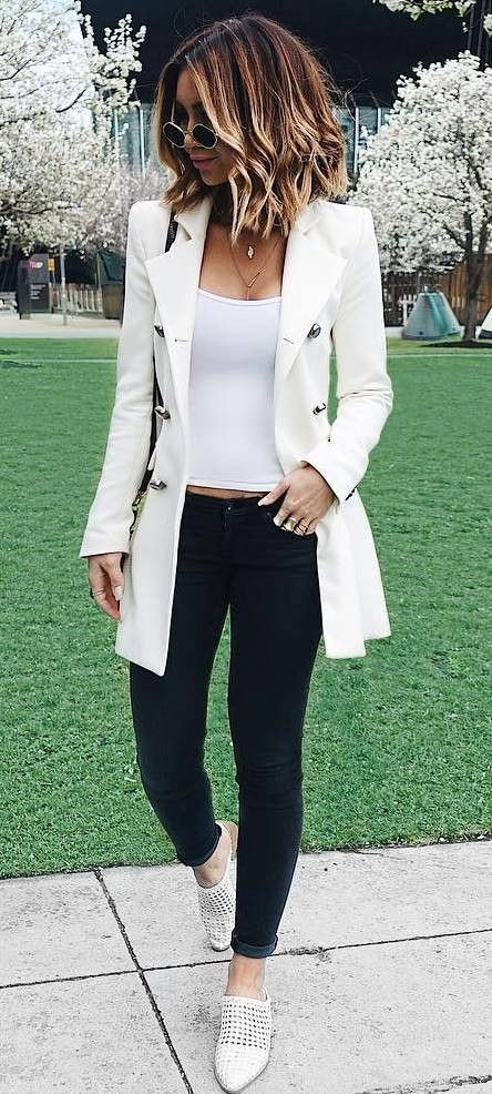 how to wear a white blazer top bag skinnies loafers .