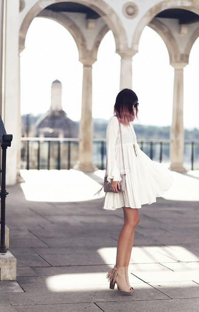 bekleidet, blogger, dress, peep toe boots, peep toe, white dress .
