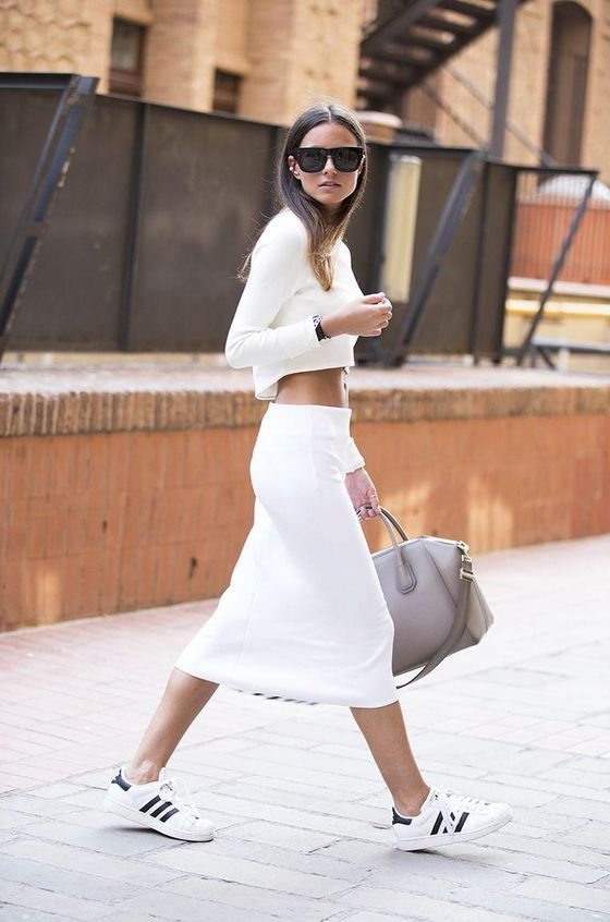 Women's Outfit Ideas With White Sneakers 2020 | FashionTasty.c