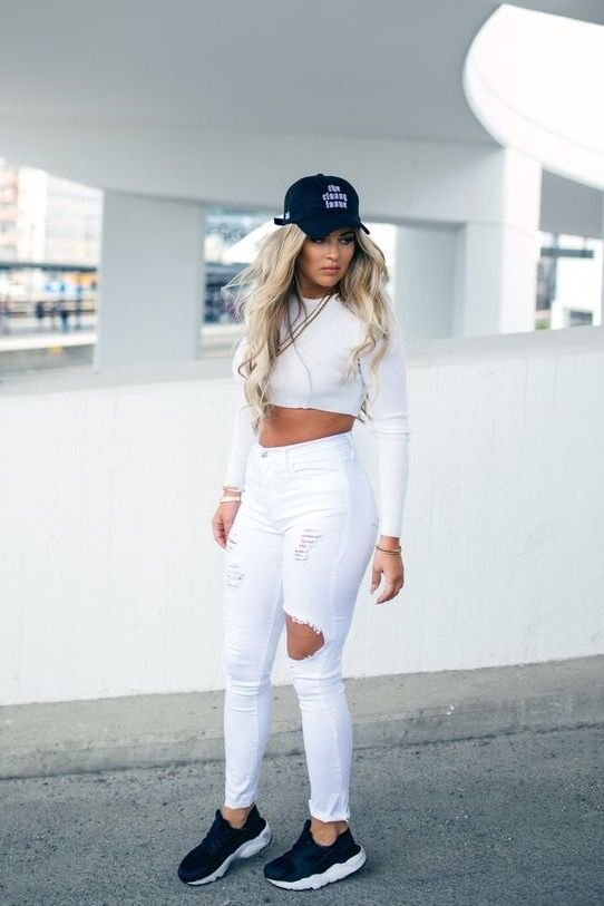 Pin by DJ 👑 on YEAR ROUND STYLE in 2019 | White ripped jeans .
