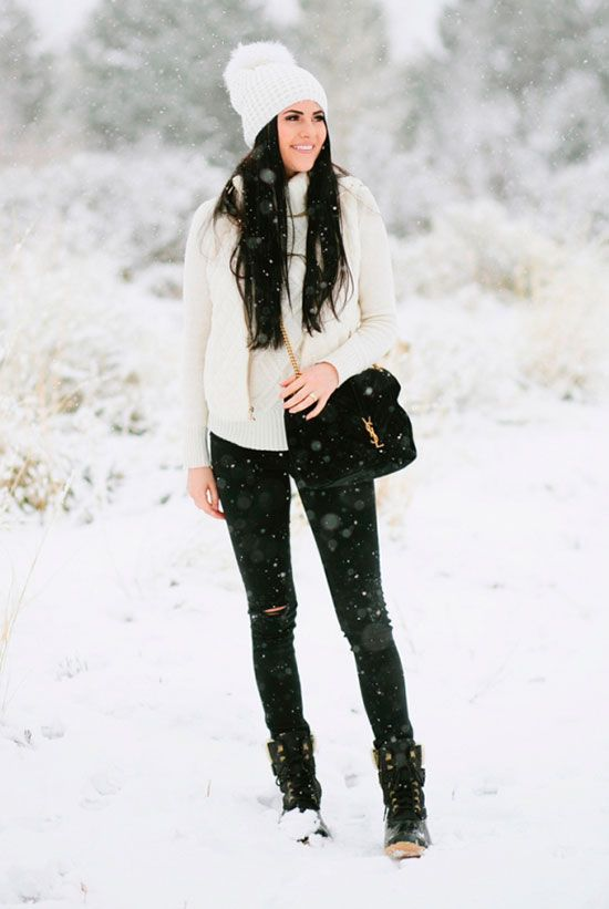 5 Stylish Snow Outfit Ideas | Chic winter outfits, Snow outfit .