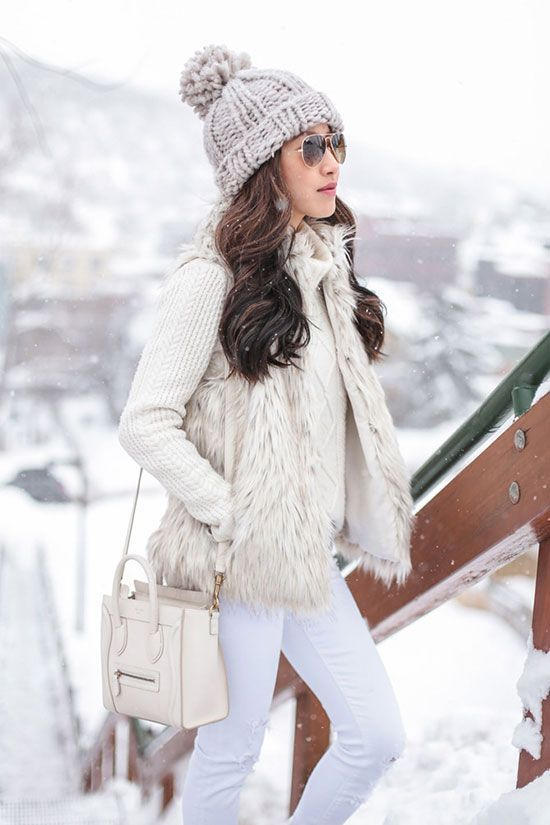 5 Stylish Snow Outfit Ideas | Winter fashion outfits, Snow outfits .