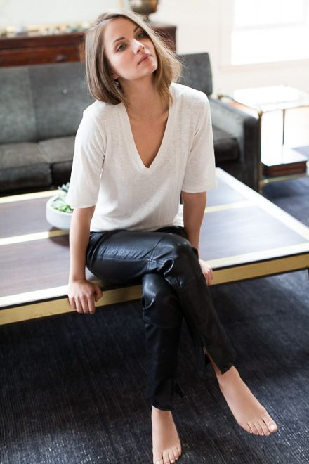 White Shirt Outfit Ideas 2020 | Become Ch