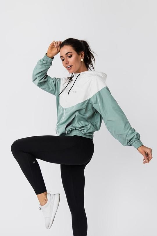The 35 Best Workout Outfits For 2019 Visit www.spasterfield.com .
