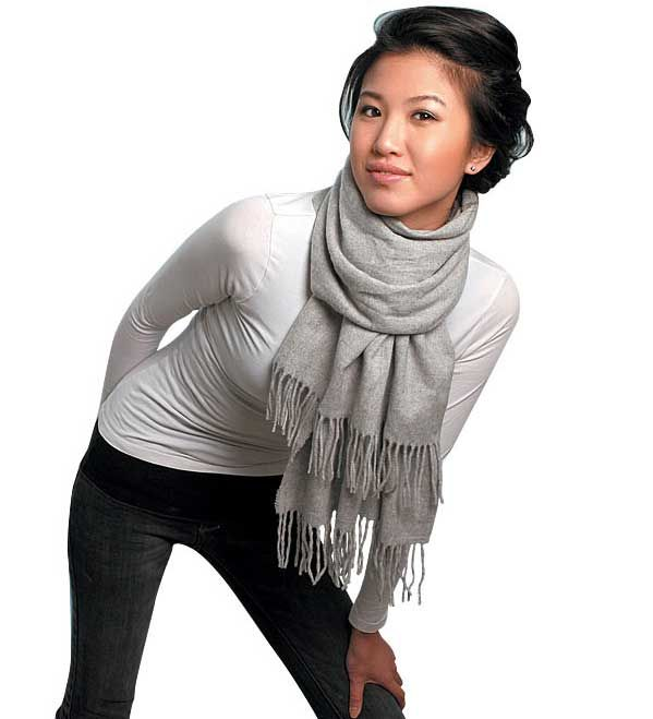 How to tie a winter scarf | Sty