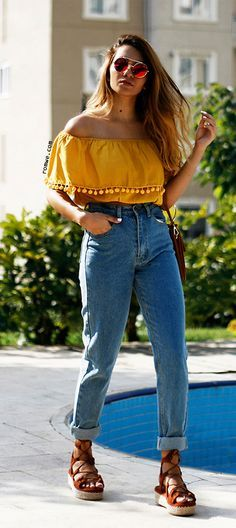 Ähnliches Foto | Top outfits, Off the shoulder top outfit, 70s outfi