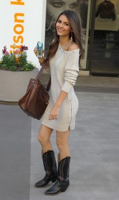Cowboy boots and dresses. Cute!! | Fashion, Outfits with leggings .